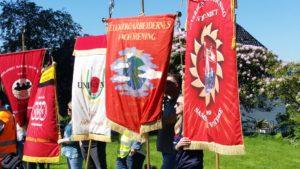 God oppslutning om fanemarkering til støtte for de streikende i Helse Bergen