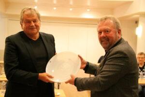 Vi gratulerer Atle Teigland med forbundets hedersgave